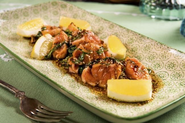 Salmalaks med soyasjy og spinat
