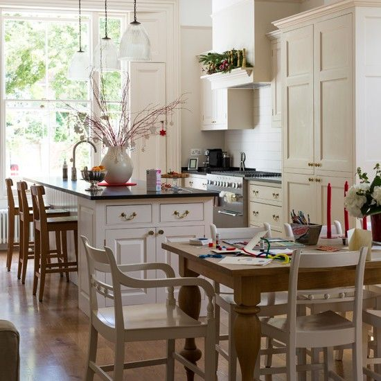 White And Oak Kitchen Diner: Cream And Wood Kitchen-diner This Kitchen Extension Allows
