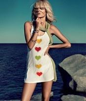 Beachkleedje Cuori  Trendy kleedje voor op het strand of aan het zwembad. Snel even over je bikini trekken en ... klaar! Twin-Set beachwear, altijd hip en stijlvol! € 108,00-