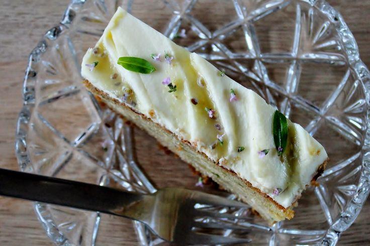 Charlottes Køkken: Squashkage med stikkelsbærkompot og flødeostglasur...