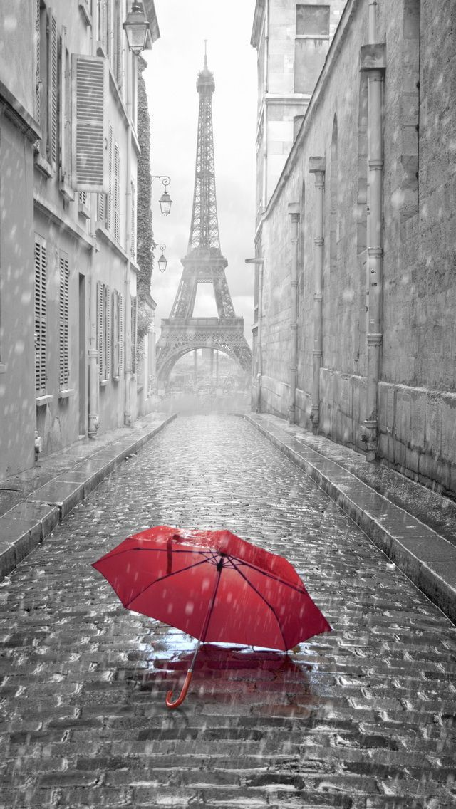 Download this cool Rainy #Paris Street Eiffel Tower HD iPhone 5 C Wallpaper