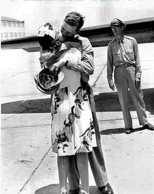 Robert Morgan, Pilot of the B-17 Bomber, Memphis Belle