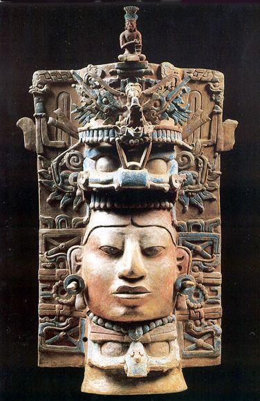 Maya Censer from Palenque. El Censer Stand con la Cabeza del Dios Jaguar del Inframundo y con el Jefe de un Ser Sobrenatural, los incensarios cerámicos de estilo Palenque están entre las esculturas más grandes y más sofisticadas creadas por artistas mayas.