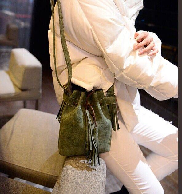 Дешевое 2015 мода старинные кисточкой шнурок скраб женская сумочка небольшие сумки ведро мешок сумка сумка, Купить Качество перемётные сумки непосредственно из китайских фирмах-поставщиках:      2015 моды старинные кисточка шнурок скраб женские сумки небольшой сумки мешок ведро сумка сумка         &nbsp