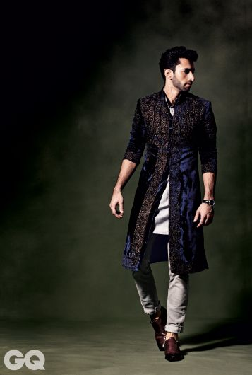 Rajesh Pratap Singh Top Indian Sherwani Designers Best Collection for Weddings and Parties (3)
