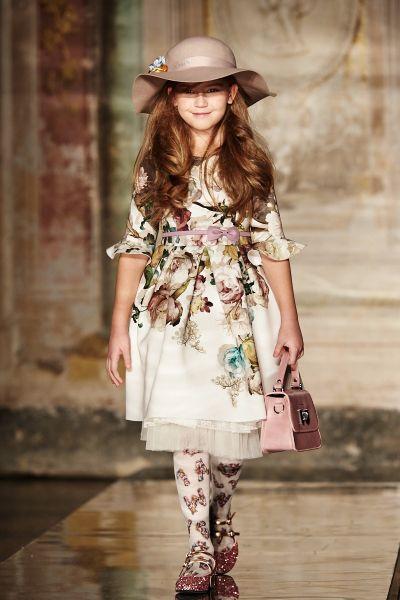 Коллекция Monnalisa осень-зима: детская мода, платье, цветочный принт, колготки с рисунком
