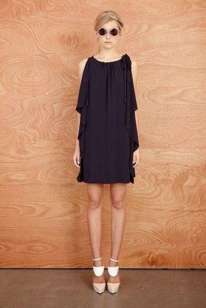 Patrón:vestido o blusa fácil con un rectángulo de tela. Copiando a Karen Walker