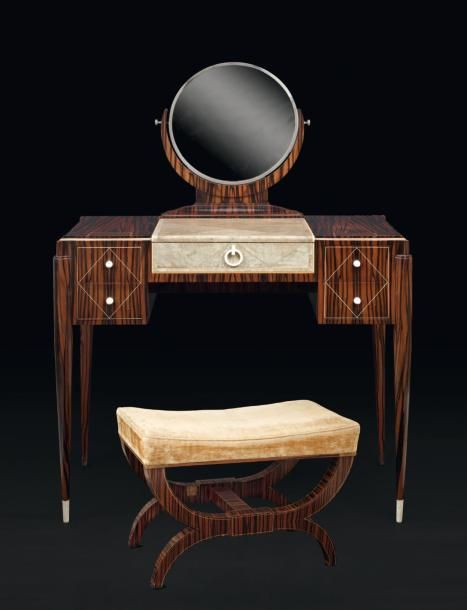 krass christian attribu coiffeuse en placage d 39 b ne de macassar filet d 39 ivoire et. Black Bedroom Furniture Sets. Home Design Ideas