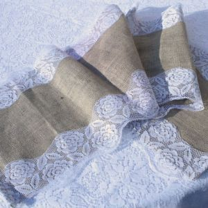 Hessian Runner with Lace Border