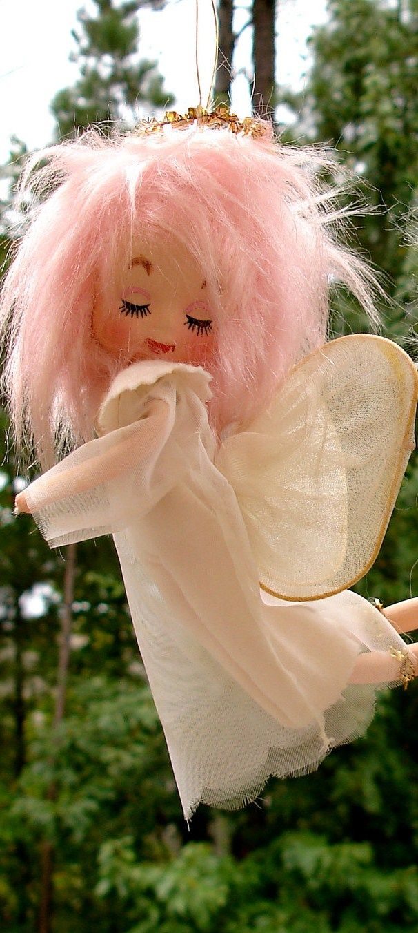 Vintage Pink Hair Angel.....I had these in my decorations for my Honored Queens installation.