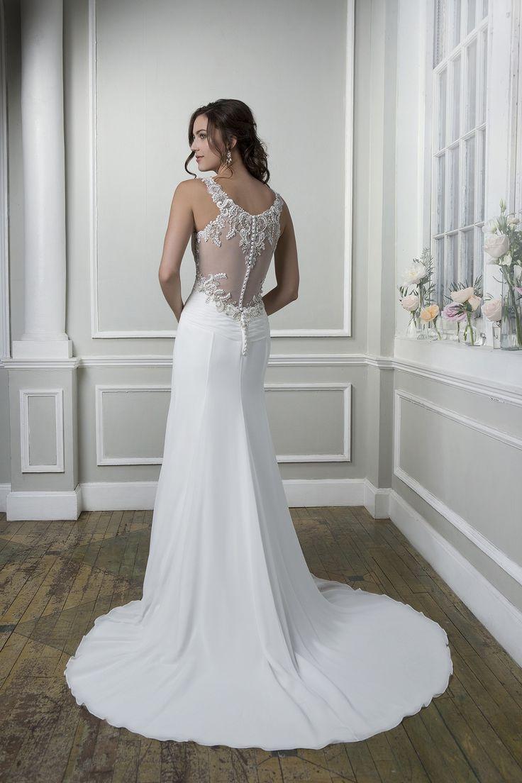Rochia de mireasa Lillian West 6376 este croita din sifon.  Culori disponibile: Ivory/Silver, White/Silver