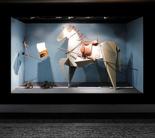 Vitrines de Sarah Illenberger pour Hermes - Berlin, septembre 2011 www.instorevoyage.com   #in-store marketing #visual merchandising