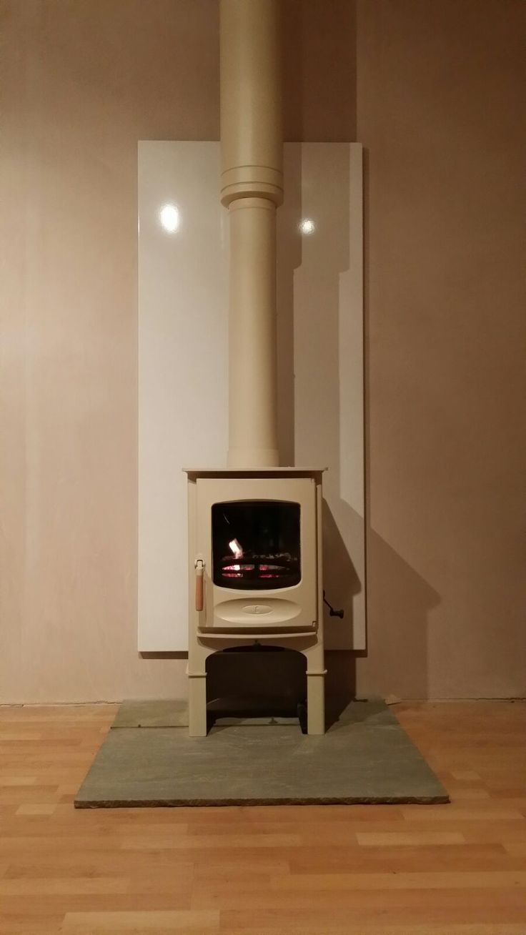 One of today's installation this stunning charnwood C6 in almond fitted with a vlaze heat shield panel.
