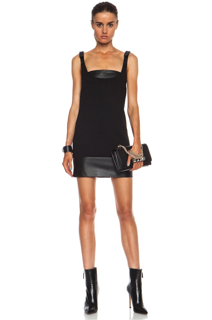 Immagine 1 di Christopher Kane Crepe & Leather mini vestito di lana in nero