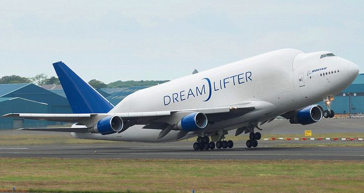 http://ift.tt/2rMIsOH: The Boeing Dreamlifter needs almost TWO MILES of runway to take off.