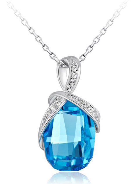 BEAUTIFUL BIG #BLUE & #GOLDEN For Rs. 2000 #Indian #Jewelry #Swarovski #crystal #Pendant