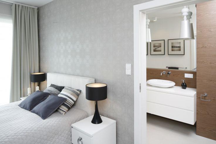 Piękna, jasna sypialnia - 10 wnętrz z polskich domów  - zdjęcie numer 1