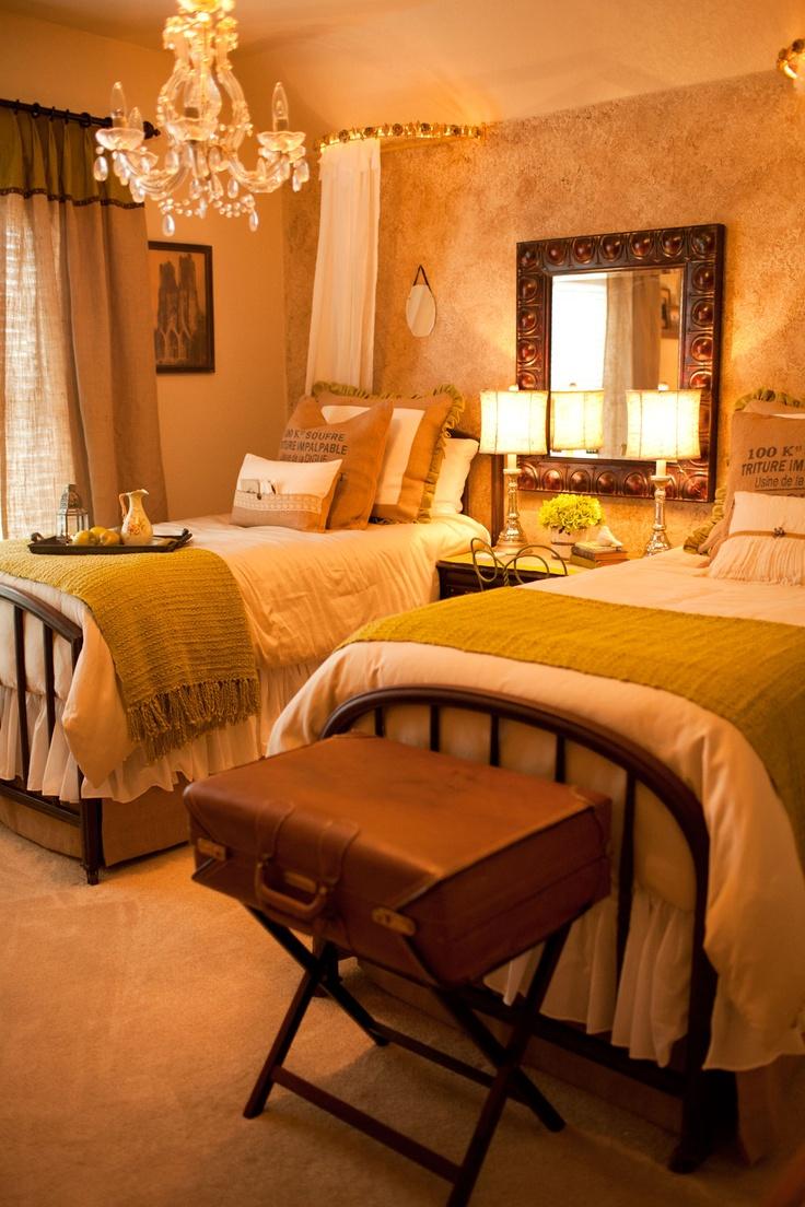 Best 59 Best ⊱╮Beautiful Guest Rooms Images On Pinterest 400 x 300
