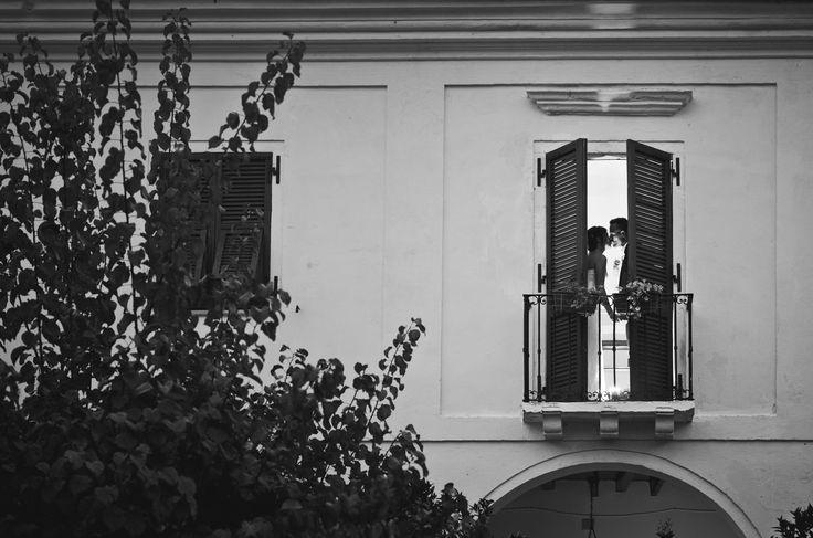 foto in esterni, sessione fotografica subito dopo il matrimonio, una mezz'ora prima di andare al ricevimento Alessandro Corongiu Fotografia wedding photographer Sardinia #cagliari www.alessandrocorongiu.it #photography#wedding#sardegna#sposa#fotografo #matrimonio#cagliari#photo#incontro#Sardinia#photographer#magicmoment#italy#atmosfera#reportage#originale #professional#bn#bw#fashion#oristano
