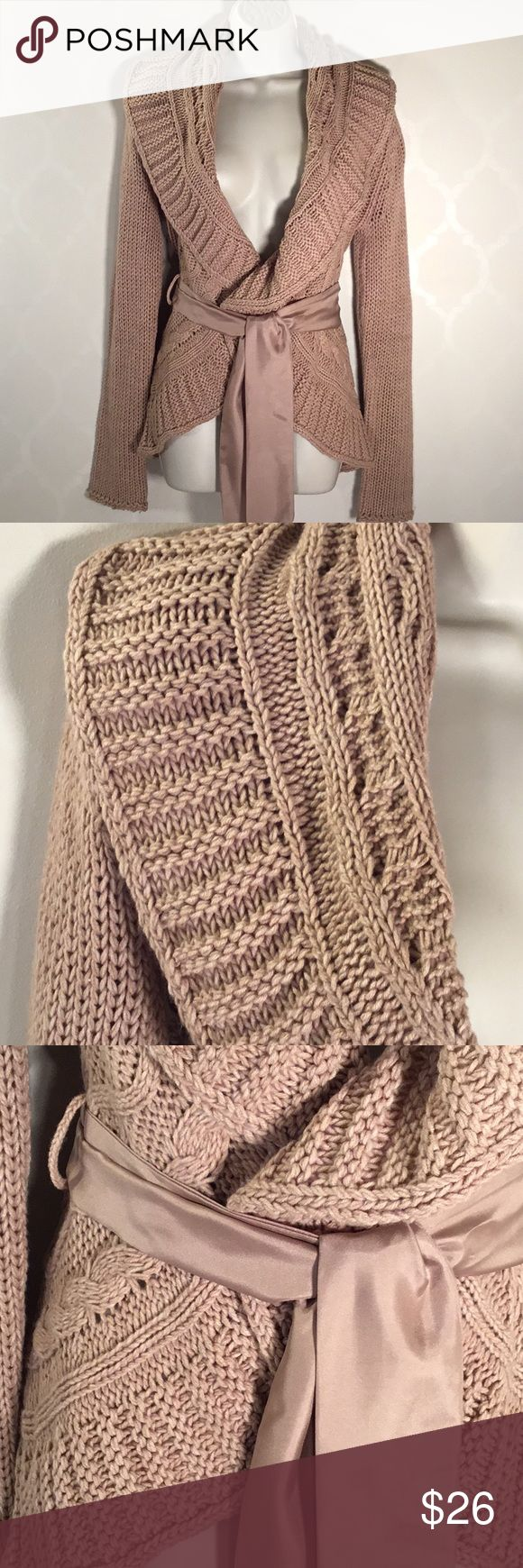 NY&CO TAN CARDIGAN New York and Company Cardigan ➖ Gorgeous Knit Pattern ➖Curved Front Hemline ➖ Satin Belt ➖ Shawl Collar ➖ NWOT .... NEVER WORN New York & Company Sweaters Cardigans