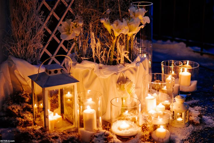 Outdoors winter style composition with various size lanterns