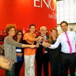 La redazione di am , Onofrio Introna e Fabrizio Nardoni brindano ai rosati di Puglia