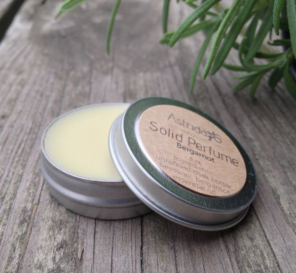 DIY: solid perfume with essential oils