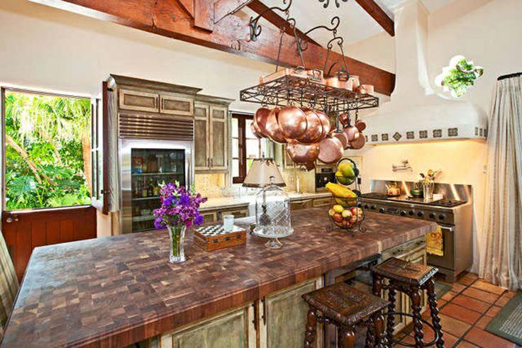 Hacienda style decorating ideas spanish kitchens for Spanish hacienda style kitchens