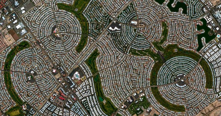 12/10/2014 Sun City Sun City, Arizona 33°36′51″N 112°16′55″W   The retired community of Sun City, Arizona opened on January 1, 1960. At the time, this event at the futuristic development attracted such a sizable crowd - 100,000 people - that it was featured as a cover story for Time magazine.