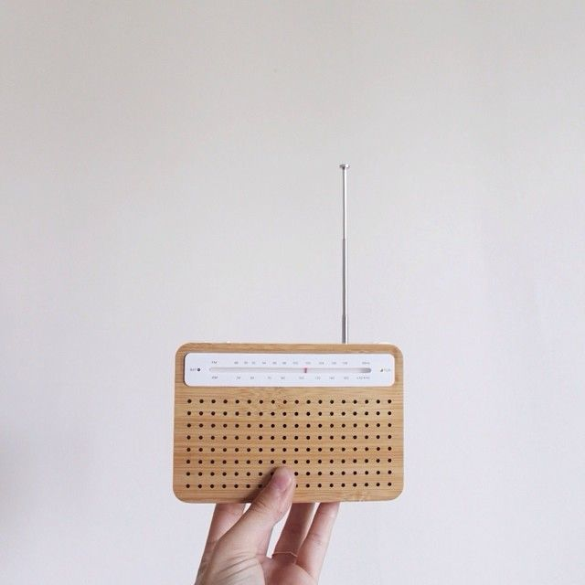 la radio // #lexon #radio #ecologique #dynamo #bambou #PLA #ecofriendly #bioplastique #bamboo