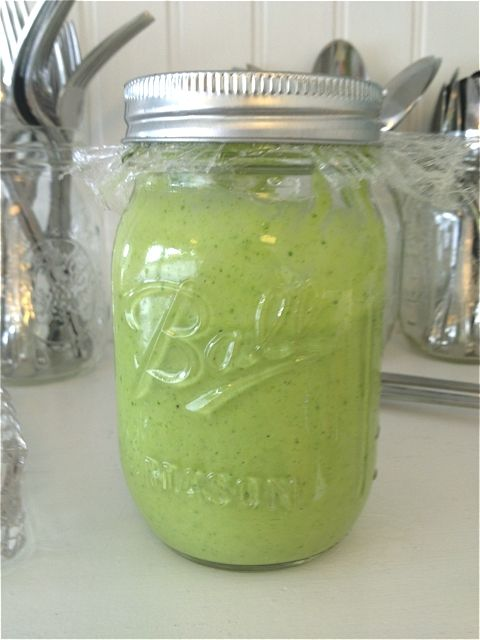 Need a new salad dressing for phase 3 of the #FastMetabolismDiet? Green Diva Dressing with avocado