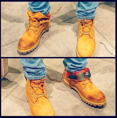 mens timberland roll top boots on feet