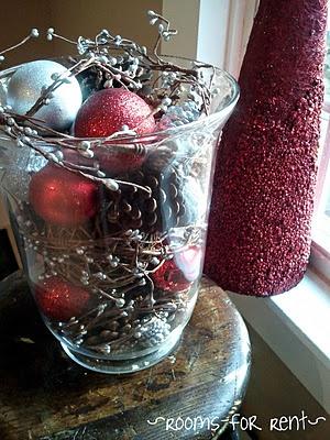 Decorating Christmas centerpieces. Follow at: www.partylite.biz/jenhardy www.facebook.com/partyhardyjen #jenhardyyourcandlelady
