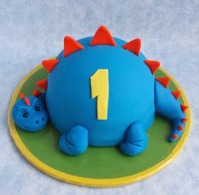 I made this little dinosaur smash cake for a former colleague's grandson. I saw tons of pictures of dinosaur cakes online, but I was...