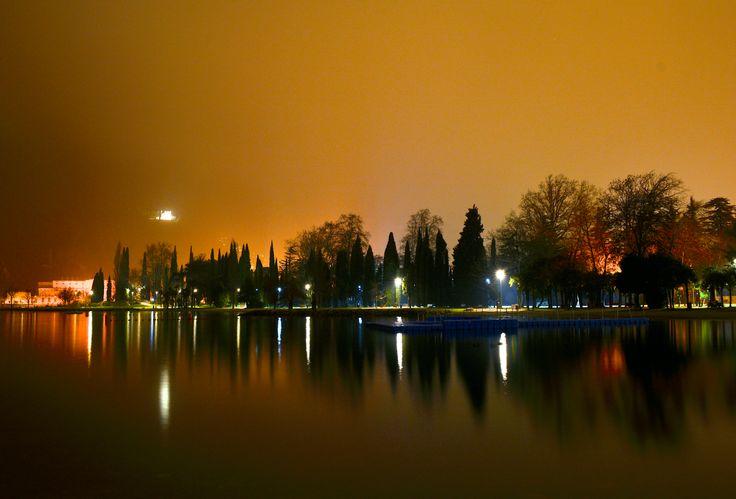 #rivadelgarda #lakegarda #night #light #reflex