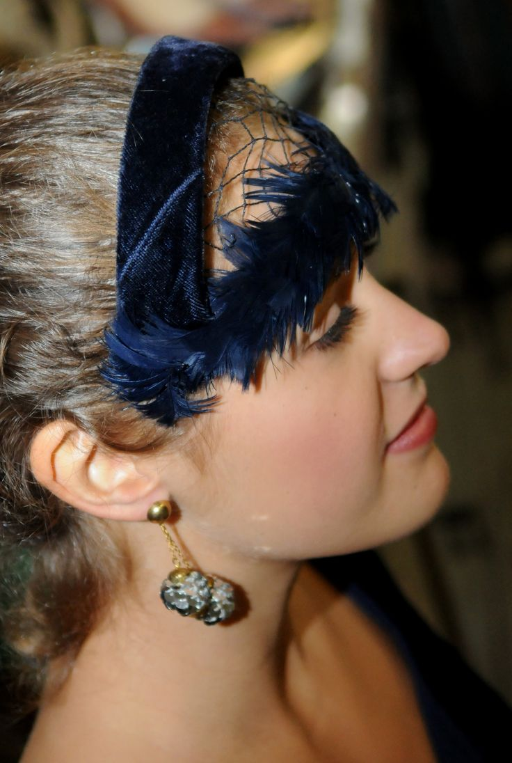 1940s feather and velvet headband