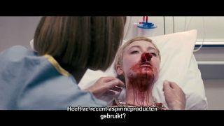 Hier zie je Tessa in een ziekenhuisbed liggen nadat ze plotseling een bloedneus had gekregen. Dit gebeurt niet lang voor haar dood.