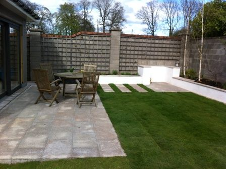 Medium size garden in Naas - by MAXIMIZE DESIGN