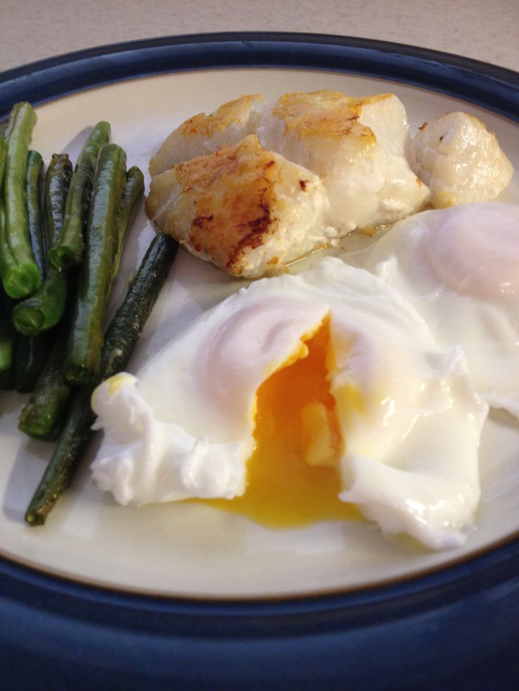 Cod, poached egg & green beans