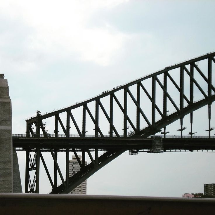 Sydney Habor Brige Climbing... I have acrophobia... so just watching not climbing... 전 고소공포증이 있어서 하진 못하고 올라가는 사람들 쳐다만 봤습니다 #sydneyharbourbridge #harbourbridge #habourbridgeclimb #acrophobia #sydney #australia #시드니하버브릿지클라임 #하버브릿지클라임 #시드니여행 #호주여행 #고소공포증 #여행스타그램 #travelstagram by geniewook http://ift.tt/1NRMbNv