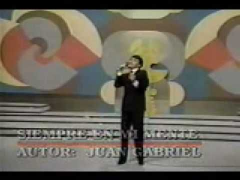 """Ya Tienes el Álbum """"Juan Gabriel - En el Palacio de Bellas Artes"""" Descárgalo en…"""