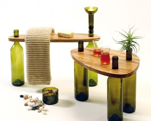 #Reciclar ayuda a nuestro medio ambiente pero además es divertido, por ejemplo puedes hacer mesas con tus botellas de #Vino. #VinosNobles #Wine. Foto vía http://goo.gl/n5UcbU