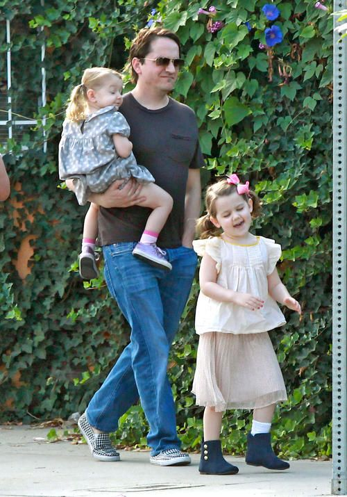 Ben Falcone Takes His Daughters To School (Melissa McCarthy's hubby and little girls)