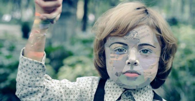 """Zoé estrena video para """"Arrullo De Estrellas"""", dirigido por León Larregui"""