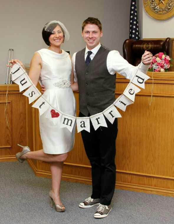 Court house wedding pictures