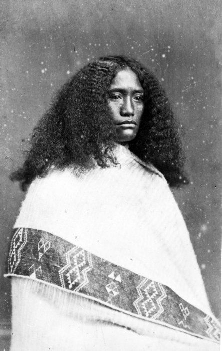 Batt  Richards  fl 1870s :Portrait of Mrs Lane of Te Ore Ore, Wairarapa, [ca 1860-1879]  Upper body portrait of a Maori woman wearing a traditional cloak with a prominent taniko border