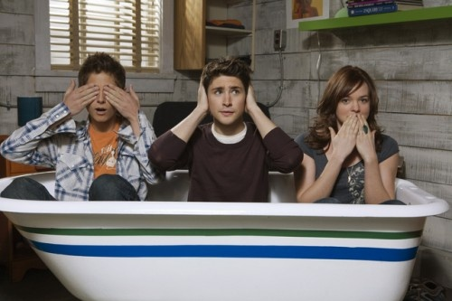 See no evil. Hear no evil. Speak no evil. Kyle XY cast!
