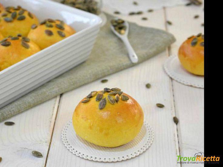 Panini soffici alla zucca  #ricette #food #recipes