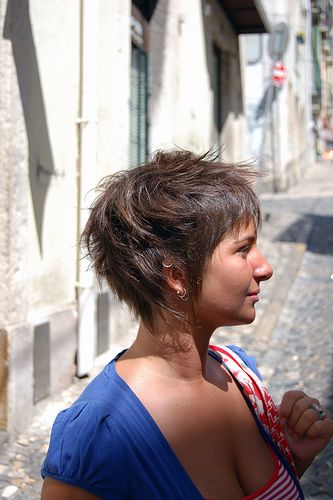 man, I really want this haircut if I ever decide to chop all the curls off. . .
