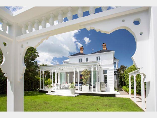 Beautiful Villa with amazing indoor outdoor flow